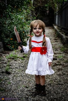 Annabelle Comes Home Cosplay Christmas Fancy Dress Halloween Outfits, Scary Girl Halloween Costumes, Halloween Costume Contest, Halloween 2020, Halloween Kids, Halloween Snacks, Vintage Halloween, Halloween College, Kids Costumes Girls