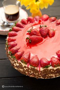 Strawberry Desserts, Easy Desserts, Delicious Desserts, Dessert Recipes, Russian Cakes, Chocolate World, Chocolate Cake, Candy Cakes, Sweet Tarts