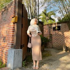 Stupid Comments, Girl Hijab, Corset, Lace Skirt, Satin, Outfits, Beautiful, Instagram, Random