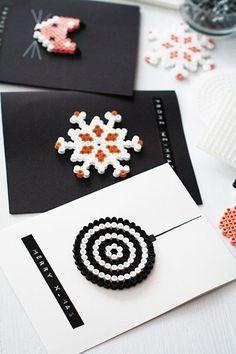 Weihnachtsbasteln: Grußkarten aus Hama-Perlen (Weihnachten mit Fräulein Klein - Yvonne Bauer / Callwey Verlag)