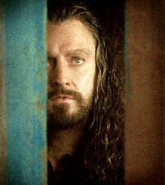 (gif) - OMG Thorin, you're so handsome.