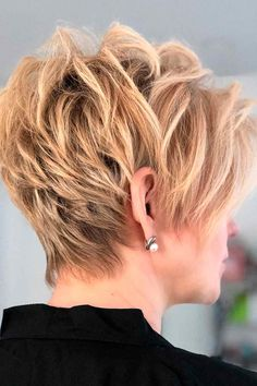 Trendy, Short Haircuts For Women Over 50 ★ Short Haircuts Over 50, Haircuts For Thin Fine Hair, Bobs For Thin Hair, Short Layered Haircuts, Short Hair Cuts For Women, Short Hair With Layers, Cute Hairstyles For Short Hair, Short Hair Styles, Hairstyles Haircuts