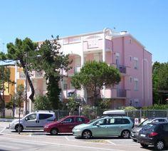 Residence Doria I Lido Estensi Itálie Luxury Apartments, Vacation Apartments, Hotel Reservations, Ravenna, Free Wifi, Sleep, The Unit, Kitchenette, Microwave