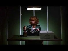 Black Widow She mates and she kills. A federal investigator tracks down a gold digging woman who moves from husband to husband, kills them and collect. Theresa Russell, Debra Winger, Black Widow Trailer, Movie Trailers, Cinema, Dennis Hopper, Movies, Husband, Dreams