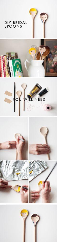 uahuah ideia legal para colocar na mesa, no bule de porcelana ;)