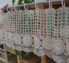 Cortina de café hecho a mano ganchillo cortina por LynnLakeWorkshop