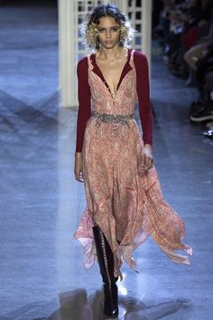 See the complete Altuzarra Fall 2016 Ready-to-Wear collection.