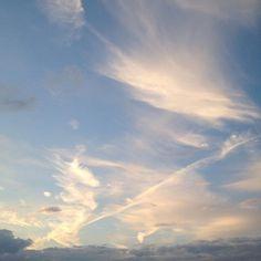 Weekend.  #sky #skyporn #Besançon #FrancheComté #weekend #landscape #beautiful #cloud #cielbleu #ciel #lesjoliscieux