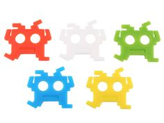 Space Invaders Earphone Holder | Craziest Gadgets