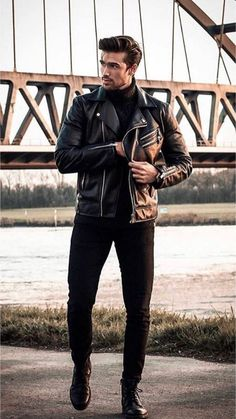 29 Fresh street style outfits for men! Stylish Men, Men Casual, Black Outfit Men, Black Outfits For Guys, Streetwear, Street Style Outfits, Moda Blog, Herren Winter, Look Man