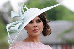 i'd actually wear this one. The Craziest Hats & Fascinators From Royal Ascot - The Cut