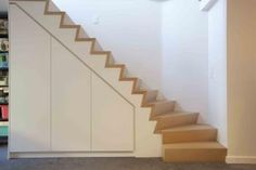 Kast onder trap - Handmade in Belgium Staircase Storage, Entryway Stairs, Stair Storage, Staircase Design, Stairs In Living Room, House Stairs, Devon House, Space Under Stairs, Decoration Hall
