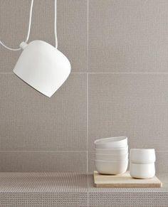 FLOS Aim pendant lights add contemporary sophistication to this simple interior. Minimal Home, Plug In Pendant Light, Pendant Lights, Pretty Things, Interior Architecture, Interior Design, Studio Interior, Casa Patio, Simple Interior