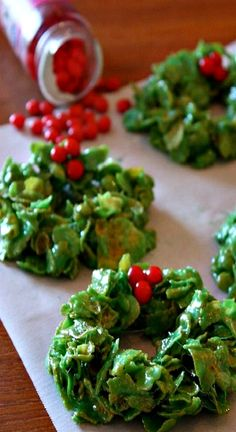 LChristmas Cornflake Wreath Treats