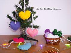 Addobbi natalizi a cuore in feltro. Set di 10 di TheFeltBirdShop