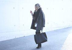 LOOK CON JEANS Y BOTAS POR ENCIMA DE LA RODILLA  OTK Boots, Outfit with jeans by Fashion Blogger Mónica Sors