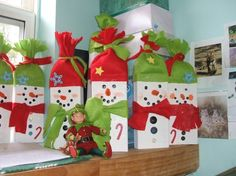 41 Beautiful Quick Christmas Crafts to Make - DecoRequired 41 Beautiful Quick Christmas Crafts to Make 36 Donna S Busy Hands Another Snowman Craft 2 Christmas Crafts To Make, Christmas Wood, Christmas Projects, Simple Christmas, All Things Christmas, Holiday Crafts, Christmas Holidays, Christmas Decorations, Christmas Ornaments