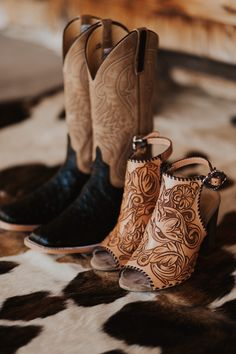 How to Turn Inspiration Into Your Dream Wedding — for the west and wild Cowgirl Outfits, Cowgirl Boots, Wedding Boots, Cowgirl Wedding, Farm Wedding, Boho Wedding Shoes, Boho Shoes, Wedding Dresses, Wedding Bride