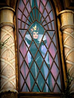 Disney - The Wicked Queen's Evilness | por Express Monorail