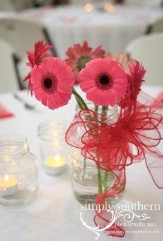 Simple Wedding Reception | Simple country chic wedding reception center pieces