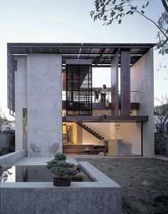 Solar umbrella house by Brooks & Scarpa