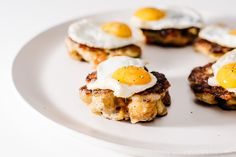 Crispy Stuffing Cakes with Quail Eggs Recipe Egg Recipes, Brunch Recipes, Baby Food Recipes, Breakfast Recipes, Brunch Ideas, Dinner Ideas, Healthy Recipes, Brunch Outfit, Quail Eggs Benefits