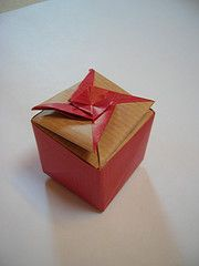 http://www.flickr.com/photos/melisande-origami/sets/72157594477122981/