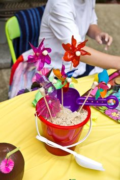 adorable centerpiece idea... great for pool party.. luau, bbq etc