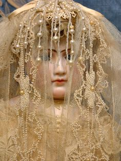 Antique Jumeau Portrait Fashion Poupee Bride, now part of our collection. Victorian Dolls, Antique Dolls, Vintage Dolls, Bride Dolls, Half Dolls, China Dolls, Doll Costume, Bisque Doll, Dollhouse Dolls