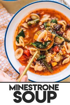 This minestrone soup Olive Garden style is perfect for a quick and easy work from home lunch! Filled with pasta and veggies, this vegetarian minestrone soup recipe requires simple ingredients and is ready in 30 minutes or less. Vegetarian Minestrone Soup, Olive Garden Minestrone Soup, Pasta Dinner Recipes, Soup Recipes, Cheese Brands, Stuffed Pasta Shells, Make Ahead Meals, Green Beans