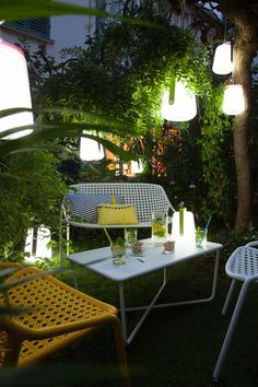 Fermob-Balad-Outdoor-Lantern-Tristan-Lohner-2-JulieAnsiau