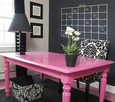I know I will definitely be incorporating chalkboard paint in my home office but I really love the soft pink colored table which really brings out a pop of color in this neural cool room