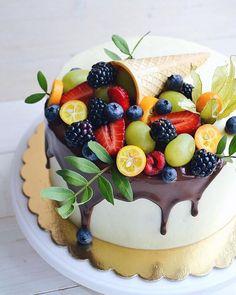 Sweets Recipes, Cake Recipes, Fruit Cake Design, Happy Birthday Cake Images, Ice Cream Drinks, Fresh Fruit Cake, Russian Cakes, Cupcake Cakes, Cupcakes