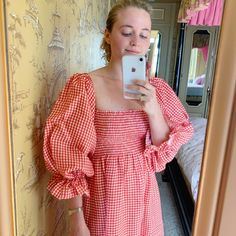 Fashion Dresses Pretty gingham dress with trendy puff sleeves. Casual Day Dresses, Simple Dresses, Summer Dresses, Simple Dress Pattern, Motif Vintage, Gingham Dress, Red Gingham, Beach Wear, Looks Vintage