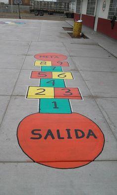 Dibujaremos en el patrio del colegio esto, y con ello aprenderán los colores y los números.