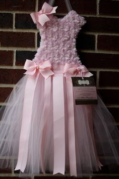 Purchased one of these for Z at Hobby Lobby for a great price!  Tutu Bow Holder -- Princess Pink-- Organize Bows, Headbands, Hair Accessories--