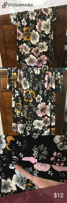Elodie top NWOT, size XL, Adorable top by Elodie, NWOT, size XL. So versatile with skirts, jeans or dress slacks. Cute petal sleeves, pair with a sweater or jacket makes it perfect for all seasons. elodie Tops Blouses