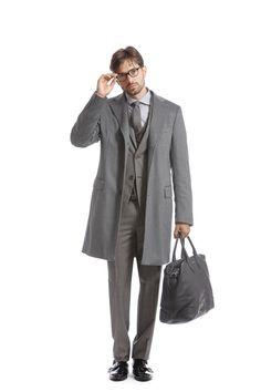Mod: L2215 - Art: 871007/8 SELEZIONE CASHEMERE Prende forma da una selezione accurata di materiali il morbido ed avvolgente cappotto in puro cashmere, per un uomo che al lavoro come nel tempo libero vuole fare la differenza. #lebole #leboleuomo #modauomo #fashion #stileitaliano #modaitaliana #style #menswear