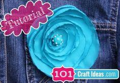 Make fabric flower brooch - http://www.diycraftsblog.com/make-fabric-flower-brooch/ #Brooch, #Fabric, #Flower