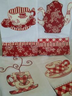 Pano de copa com aplicação em patch Embroidery Applique, Machine Embroidery, Embroidery Designs, Mug Rug Patterns, Quilt Patterns, Hand Towels, Tea Towels, Quilting Projects, Sewing Projects