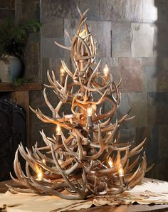 Antler Christmas Tree - Will have to keep searching for more antlers in the woods for many more years to make this! Antler Christmas Tree, Noel Christmas, Country Christmas, All Things Christmas, Christmas Crafts, Christmas Decorations, Xmas, Holiday Decor, Tree Decorations
