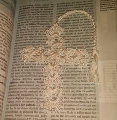 Graceful Christmas Crochet Cross Bookmark | Use thread to make this breathtaking crochet cross for Christmas.