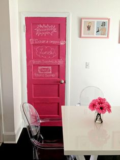 a hot pink chalkboard door. can it get any more fabulous! -- Don't need or want the chalkboard paint, but yes please to the hot pink door! My New Room, My Room, Girl Room, Girls Bedroom, Bedrooms, Home Design, Interior Design, Interior Doors, Sweet Home
