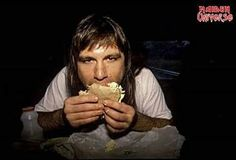 #wattpad #losowo ¡Primer libro de las curiosidades de Iron Maiden en Wattpad! Datos, anécdotas, fotos, etc. Espacio dedicado a una de las bandas más influyentes del Heavy Metal. ¡Up the Irons! Link a la segunda parte: https://www.wattpad.com/story/94189112-curiosidades-de-iron-maiden-2