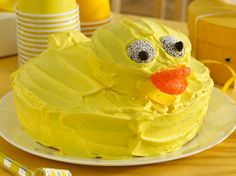 Rubber Ducky Cake  | #BettyBirthdays #BabyCenter