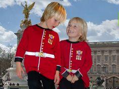 Guardman. Déguisement et pyjama. ©Play'n wear, collection Aêtre.
