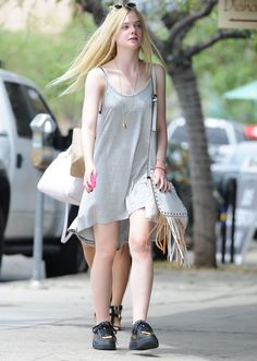 elle-fanning-out-in-los-angeles-august-2014_1.jpg (1280×1796)