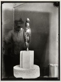 Brancusi with his work: Portrait of Nancy Cunard, 1930 -by Constantin Brancusi Tristan Tzara, Auguste Rodin, Modern Sculpture, Sculpture Art, Ceramic Sculptures, Nancy Cunard, Modern Art, Contemporary Art, Constantin Brancusi