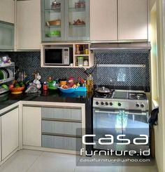 "382 Suka, 2 Komentar - KITCHEN SET,LEMARI MINIMALIS (@casafurniture.id) di Instagram: ""Kitchen set project @nusaloka Bsd  #kitchen #kitchenset #furniture #bsd #tangerang…"" Bogor, Jakarta, Kitchen Sets, Kitchenette, Home Interior, Custom Furniture, Kitchen Organization, Kitchen Cabinets, Instagram"