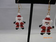Diy Xmas Earrings, Christmas Tree Earrings, Christmas Jewelry, Christmas Crafts, Christmas Ornaments, Beaded Jewelry Patterns, Beading Patterns, Bead Crafts, Jewelry Crafts